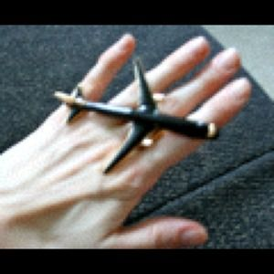 Black airplane ring