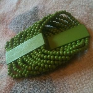 Jewelry - Green wood bracelet