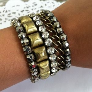 Jewelry - Antiqued gold tone bracelet 1