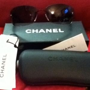 💯 percent authentic Chanel sunglasses