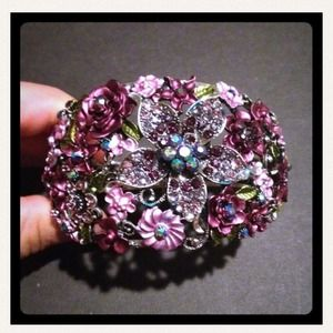 Jewelry - Pretty purple cuff bracelet