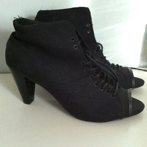 WILL ACCEPT BEST OFFER! Black Peep toe booties! *