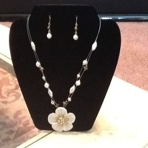 White ceramic & pearl & gold necklace & earrings