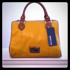 Kenneth Cole Handbags - 🌟New Item🌟Kenneth Cole Reaction Handbag