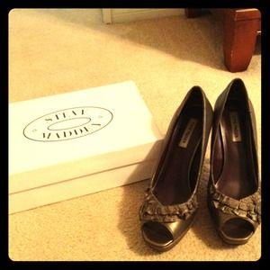 JUST REDUCED!! Bronze Steve Madden peep toe pumps