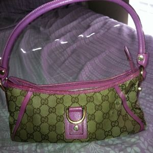 Gucci Bags - 🎈REDUCED🎈Gucci small hand bag