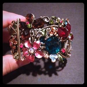 Jewelry - Colorful cuff