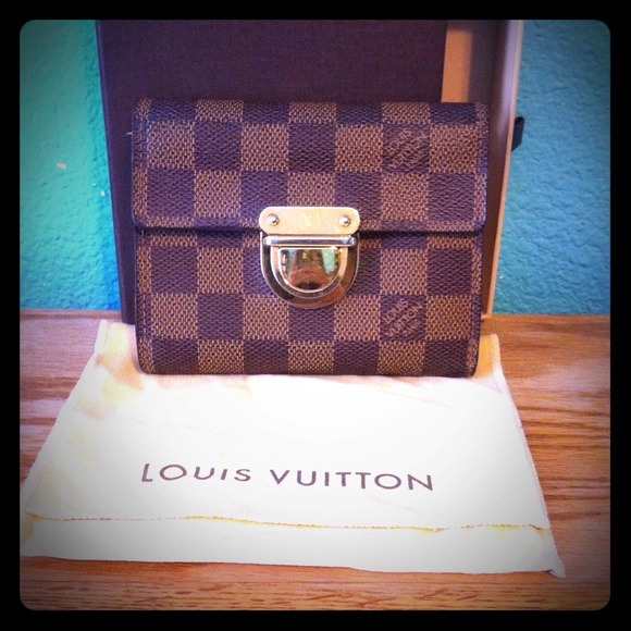 Louis Vuitton Bags - Authentic Louis Vuitton Damier Koala Wallet