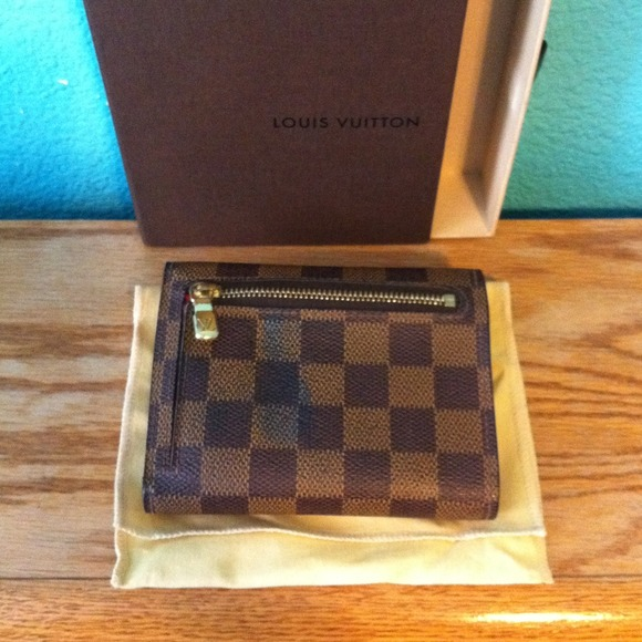 Louis Vuitton Clutches & Wallets - Authentic Louis Vuitton Damier Koala Wallet 4