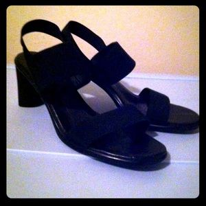 Shoes - black aerosoles sandals