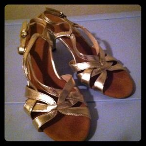 Shoes - gold strappy aerosoles sandal heels