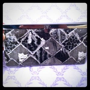 REDUCED Brand NEW authentic bebe clutch