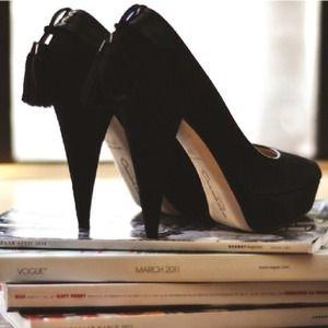 Oscar de la Renta Shoes - Oscar de la Renta Blk Suede Platform Heels sz 6.5