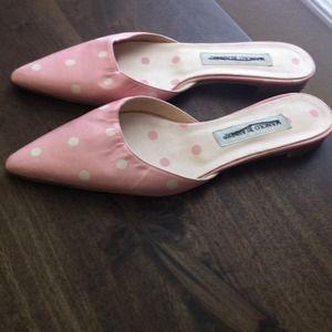 Manolo Mules: the shoe of the season!