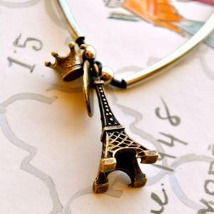 Jewelry - A Piece of Paris Necklace
