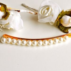 Accessories - Calypso's Pearl Hair Pin