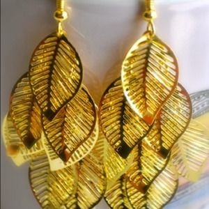 Accessories - Fallen Golden Leaf Earrings