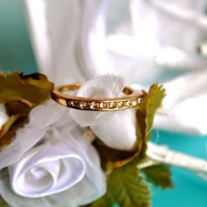 Jewelry - Golden Harmony Ring