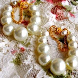 Jewelry - Pearl Drops Earrings