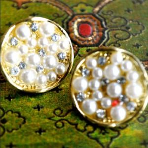 Jewelry - Pearls Everyday Earrings
