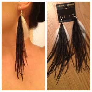 Jewelry - Unique Black/White Feather Earrings