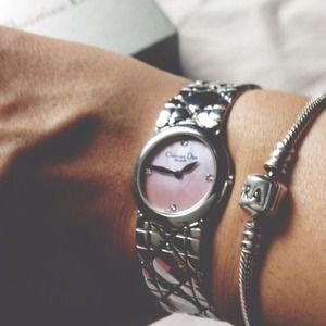 Christian Dior D86-100  diamond collection watch