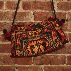 Vintage Clutches & Wallets - REDUCED: Vintage Embroidered Clutch/Satchel