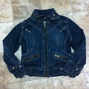 Jackets & Blazers - Cropped Denim moto style jacket!