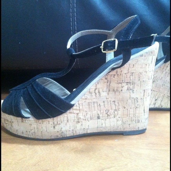Black wedge shoes 2012
