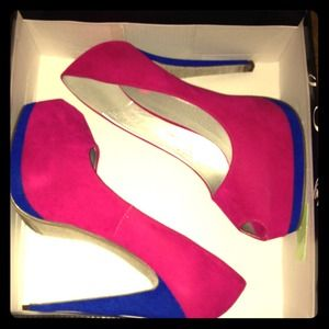 Shoes - 🎀Hot Pink Key Hole Pumps 6'in Heel🎀