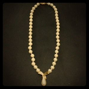 Jewelry - Vintage pearls necklace