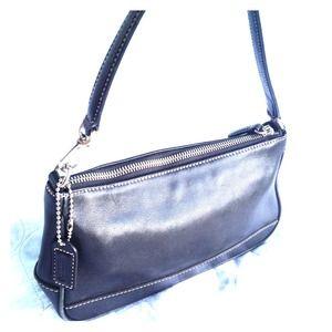 Authentic Coach leather mini purse/bag/wristlet