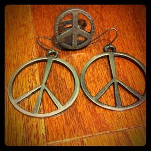 URBAN OUTFITTERS Peace Earrings and Ring