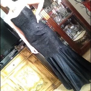 Dresses & Skirts - Black lace fishtail evening gown