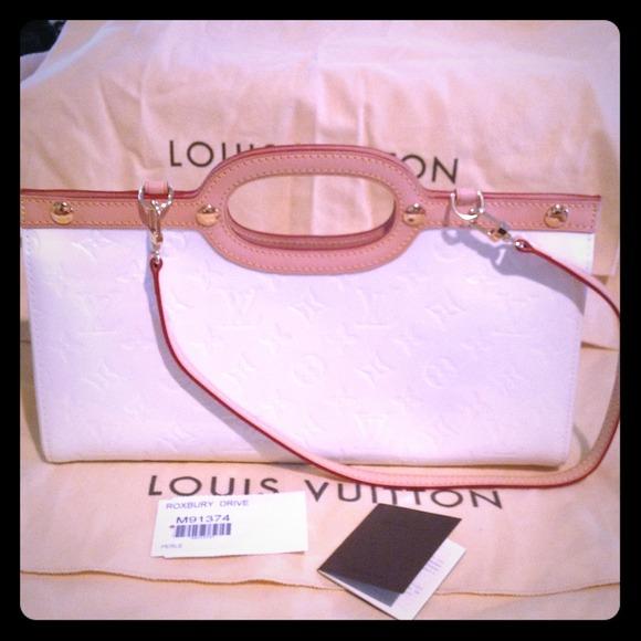 355b1f305c2e Louis Vuitton Handbags - Reserved BN Louis Vuitton Roxbury Drive clutch