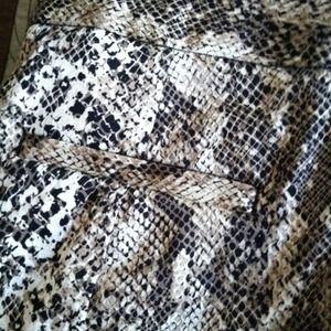 Dana Buchman Pants - Dana Buchman Sale Pants snakeskin print Sz 4 4