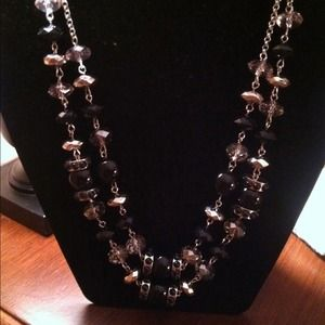 🐩Sale Necklace and Earrings in black and Crystal