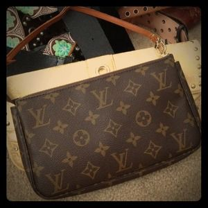 Louis Vuitton Clutches & Wallets - @jhaskell only - Louis Vuitton monogram pochette