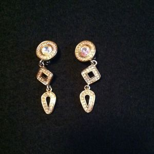 Jewelry - Sale Evening Crystal Dangles with Clips