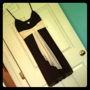 Dresses & Skirts - NWT Brown and white dress