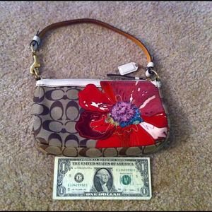 Coach Handbags - 💢SOLD💢AUTHENTIC & RARE Coach Signature Purse