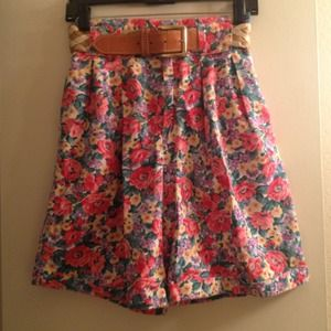 Pants - Vintage high waisted floral shorts