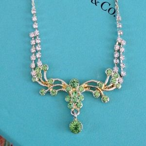 Prom🎀New Peridot colored necklace and earrings