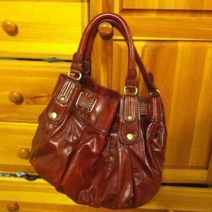 Mellie Bianco purse, great condition