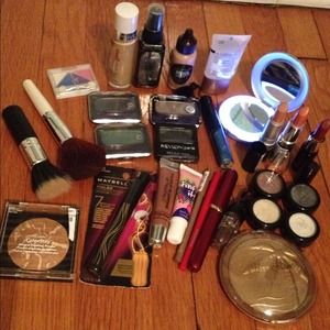 Mac Accessories - HUGE Makeup lot! Relvon, NYX, l'oreal Etc!