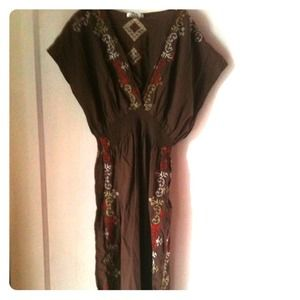Dresses & Skirts - Embroidered brown dress with smocked waist