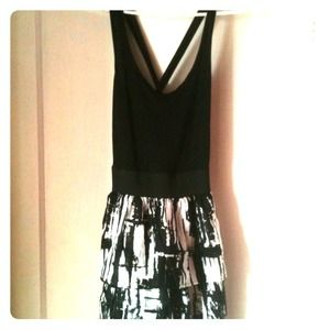 Dresses & Skirts - NWT Black/white crossback tiered skirt