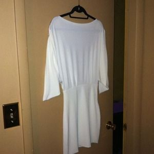 **Reduced** White Backless Dress w. Rhinestones