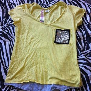 Tops - tshirt from wallflower