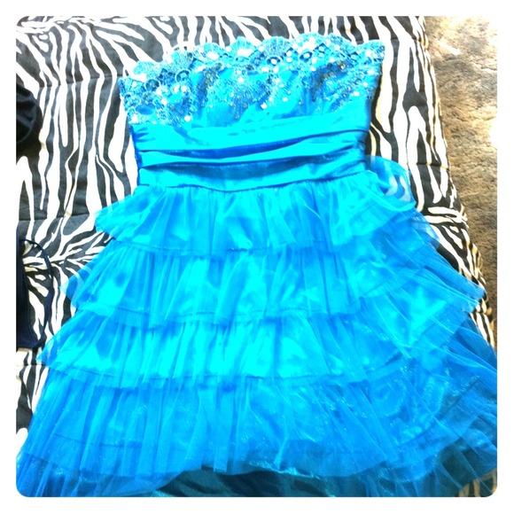 Dresses & Skirts - blue sequin formal dress